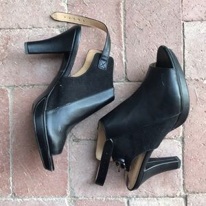 Naturalizer 8.5 Black Faux Leather Heel